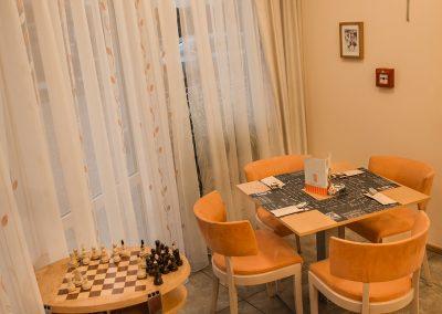 restauracia za rohom a šacho